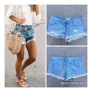 Forever 21 Denim Cut Off Shorts ❤️